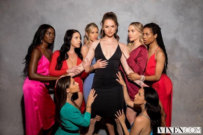 Tori Black, Mia Malkova, Vicki Chase, Kira Noir, Ana Foxxx